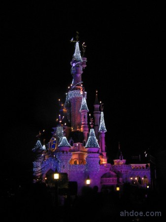 I am so happy to witness the real Disneyland Castle in Paris!