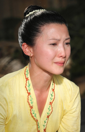 Jeanette Aw in The Little Nyonya
