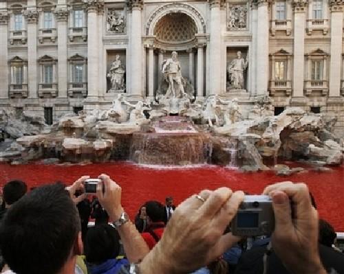 Fontana di Trevi in Red 1